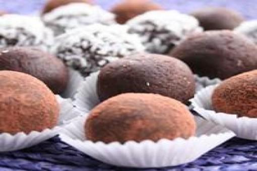 Bademli Çikolatalı Toplar