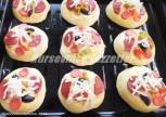 Meyveli Pizza 8 Mini Pizza Tarifi
