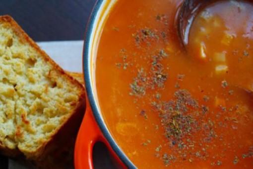 Sebzeli Tarhana Çorbası