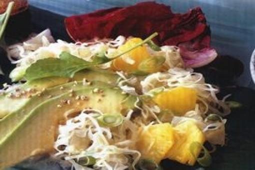 Uzakdoğu Usulü Lahana Salatası 4 Kişilik