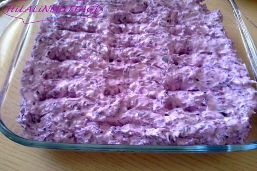 Yoğurtlu Mor Lahana Salatası