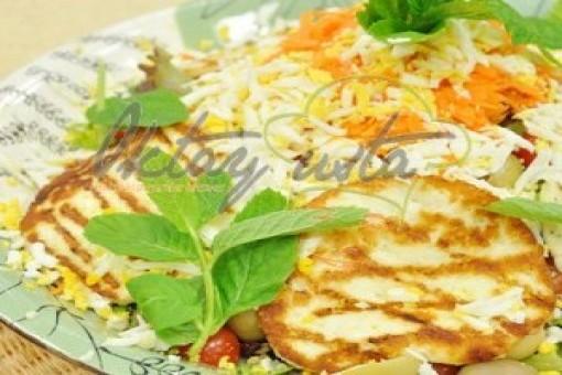 Yumurtalı Peynirli Salata